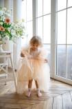 Детское нарядное платье Арин, цвет персик с органзой в горох