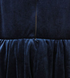 Детское платье со шлейфом из бархата, цвет воронье крыло и айвори