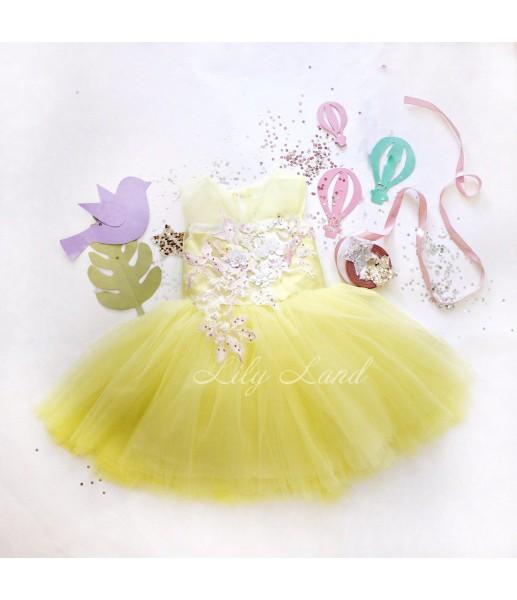 Детское платье с кружевом ,в желтом цвете