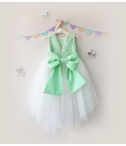 Детское платье с отделкой из бисера, цвет яблоко