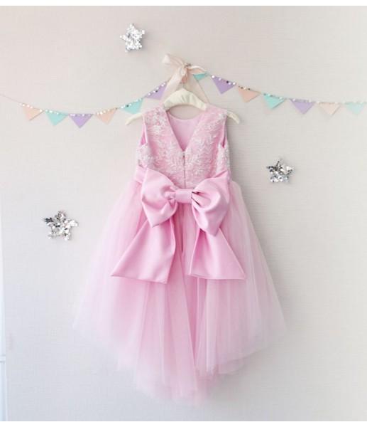 Детское платье с отделкой из бисера, цвет розовый