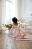 Детское платье со шлейфом из пайеток, цвет бронза с белым